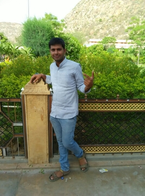 amrut suthar Travel Blogger