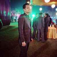 Ravi Ladia Travel Blogger