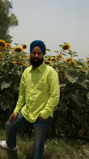 harinder Travel Blogger
