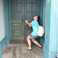 Angela Tan Travel Blogger