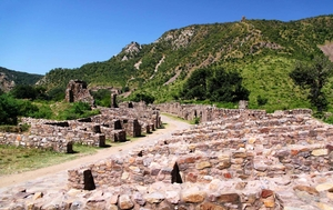 To hunt for the 'haunted' in Bhangarh