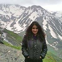 Nida Naushad Travel Blogger