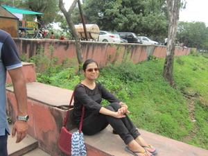 Prachi Tripathi Travel Blogger