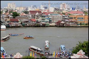 A day in Bangkok along the Chao Phraya river