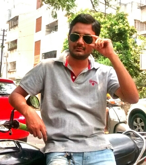 Sumit Dubey Travel Blogger