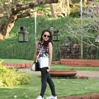 Livewire Mona Travel Blogger