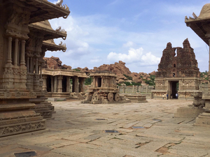 Travelers Diary: Just Hampi'ng