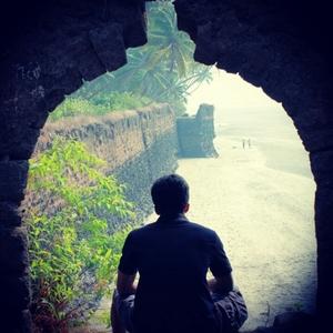Tejas Pujari Travel Blogger