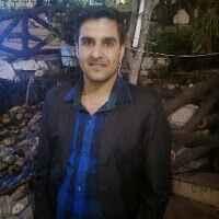 Lucky Dhawan Travel Blogger