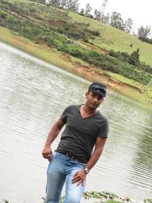 Sameer Khan Travel Blogger