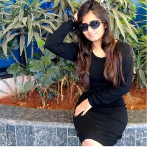 Neha Virani  Travel Blogger
