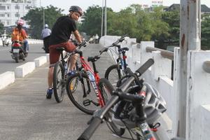 Hue Cycling up Nhu Y River