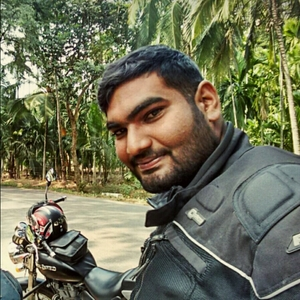 bala athithyan Travel Blogger