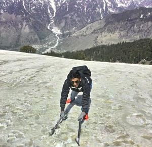 Dhvanit Mehta Travel Blogger