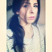 Alina  Travel Blogger