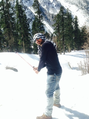 HoneY Jain Travel Blogger