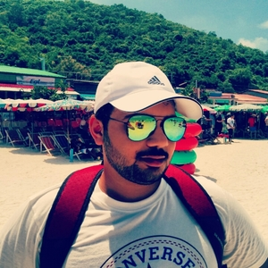 yash mehta Travel Blogger