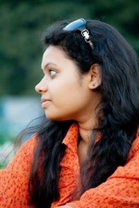 Romiya Das Travel Blogger