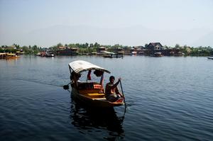 Unravelling Para Para Paradise-Kashmir! ( Act 1: Scene 1: Srinagar)