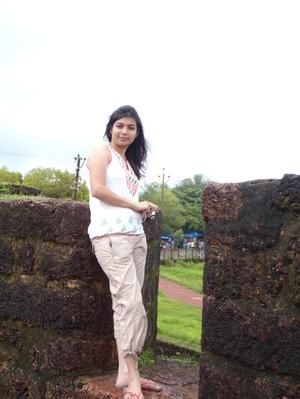 Purvi Travel Blogger