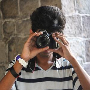 Divij Khattar Travel Blogger