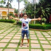 Lhakpa Chukoratsang Travel Blogger