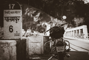 1000kms in a Jiffy : In the lap of the Dhauladhars and Lake Prashar.