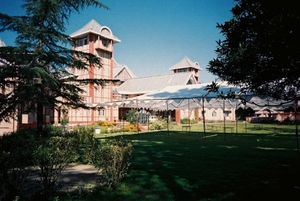 Interesting facts about Hotel Peterhoff in Shimla