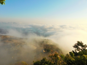This place up on the clouds 70km away from Bangalore will amaze you!