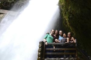Elyse Travel Blogger