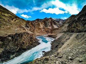 The WanDerer - In the mighty Zanskar || Chadar Trek || Leh