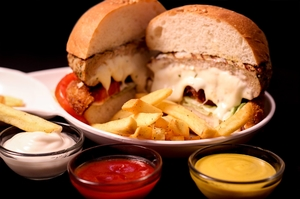 13 Late Night Restaurants Where The Party Animals Of Mumbai Hangout