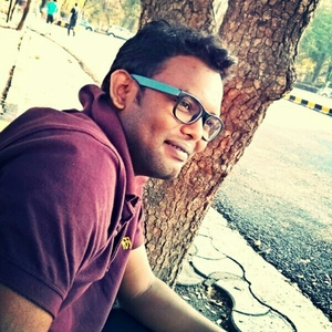 Aatish Sakhare Travel Blogger