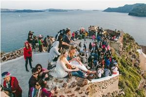 Bucket List: See The Sunset in Oia, Santorini, Greece