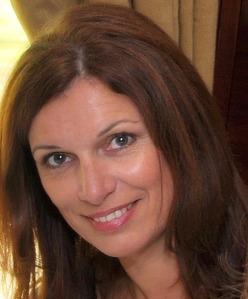 Suzanne Travel Blogger