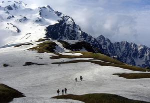 Alpine skiing in Narkanda – Himachal