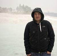 Travis Huyghebaert Travel Blogger