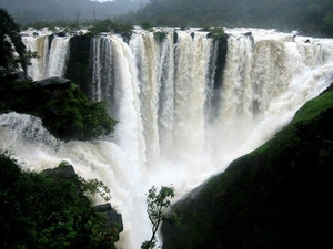 Jog Falls, a monsoon getaway