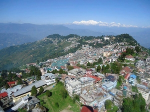 Backpacking @ Queen of Hills: Darjeeling