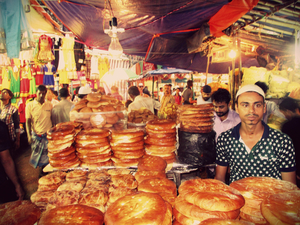 Exploring the streets of Calcutta - haleem hunting on Zakaria Street