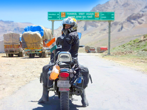 Meet the First Indian Female Biker to Ride Solo From Kanyakumari to Kashmir