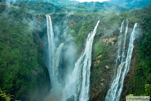 10 Best Waterfalls in Karnataka