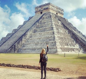After Being Diagnosed With Cancer, This Woman Visited 7 Wonders Of The World In Just 13 Days