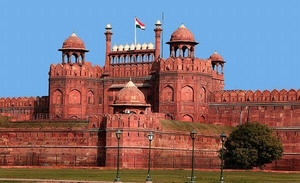 10 Monuments in Delhi You Must Visit!