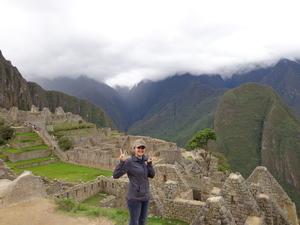2 Girls storming Peru