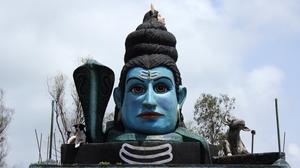 Trek to Neelkanteshwar Temple