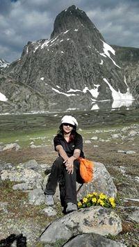 Amel Rahman Travel Blogger