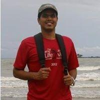 Ashton D'Sa Travel Blogger
