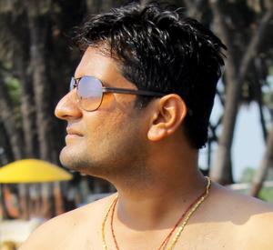 amar momaya Travel Blogger