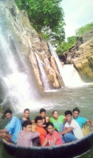 Hogenakkal Falls Karnataka- to judge by the cover or not??